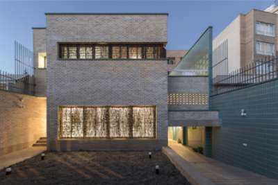 Blue Yard House in Isfahan | Architecture of Iran